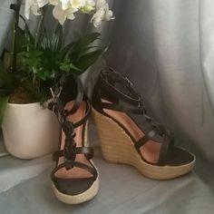 Wild Diva Black Wedges Size 6! Wild Diva Shoes