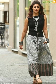 Curvy Outfits, Casual Fall Outfits, Fashion Outfits, Fashion Ideas, Women's Fashion, Long Silk Skirt, Long Skirt Outfits, Churidar Designs, Indian Beauty Saree