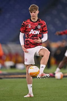 Brandon Williams, Europa League, Football Players, Manchester United, The Unit, Running, Sports, Hs Sports, Soccer Players