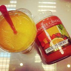 Yankee Candle Fruit Fusion + fresh orange juice by SwiatZapachow.pl
