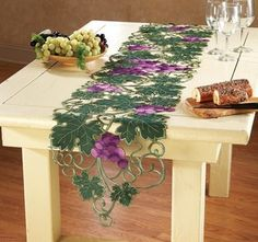Grapevine Vineyard Kitchen Table Runner from Collections Etc. Wine Theme Kitchen, Grape Kitchen Decor, Kitchen Decor Themes, Kitchen Dining, Kitchen Items, Dining Table Runners, Dining Decor, Decoration Table, Poinsettia