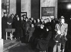 Budapest VII. Wesselényi utca 8., lakógyűlés a ház udvarán, 1950. október 1-én. Utca, Budapest, Concert, Dresses, Fashion, Vestidos, Moda, Fashion Styles, Concerts