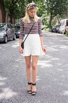 Outfit: Austin Powers | Saritschka #outfit #stripes #peplum #monki #whiteskirt