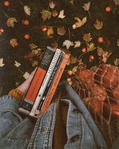 murs de papa autumn fall books reading orange autumn - New Ideas