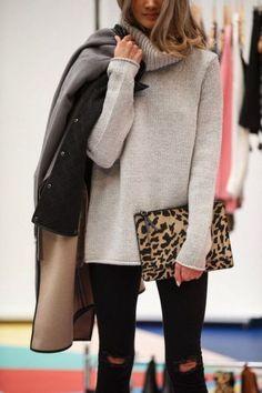 Feelin' the oversize turtleneck look. Perfect winter essential!