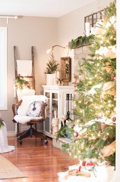Hello and welcome to our cozy Christmas home tour! I had so much fun with my blogging buddies for…