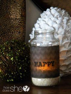 Glowing Halloween Jar.   #halloween #jars #crafts