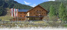 Nationalpark Taxi | Krimmler Tauernhaus Bergen, Cabin, House Styles, Home Decor, Mayrhofen, Hostel, Parking Space, National Forest, Alps