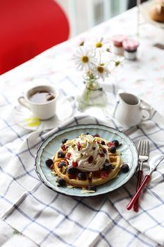 March is Waffle Day in Sweden. Here's a waffle recipe to enjoy with lingonberries and cream. Waffle Recipes, Baking Recipes, Cake Recipes, Waffle Day, Swedish Style, Tea Time, Waffles, Treats, Fruit