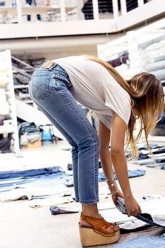The perfect pair of jeans can make the entire outfit. Get the look on Vogue.com.