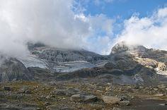 Monte Perdido, 3355 m y Cilindro desde Marboré, 2250 m.    Valle de Pineta, PN de Ordesa y Monte Perdido.