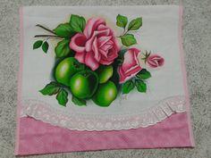 pintura em tecido rosas e maçãs verdes