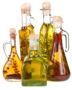 Don't use fresh herbs. Herb Oils and Flavored Vinegars in The Tasteful Garden Flavored Olive Oil, Flavored Oils, Infused Oils, Herbal Oil, Kraut, Food Gifts, Vinegar, Herbalism, Homemade