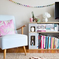 Discover 10 cheap DIY apartment decorating ideas that only recent college graduates can get away with.