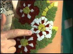Mosaico na Telha com Pastilhas de Vidro