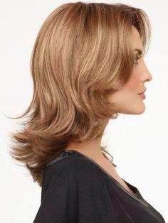 16 Astounding Medium Haircuts for Women – PICS & TIPS | Circletrest