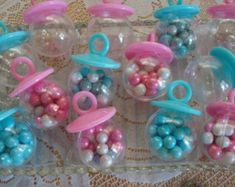 Most recent Totally Free unisex Baby Shower Favors Suggestions There are numerous concepts for baby shower themes along with were experiencing some adorable and different de. Baby Shower Candy Table, Girl Shower Favors, Fancy Baby Shower, Baby Shower Favours For Guests, Baby Shower Deco, Unisex Baby Shower, Unique Baby Shower Favors, Fiesta Baby Shower, Baby Shower Photo Booth