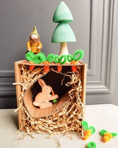 Easter crafts for kids: DIY rabbit hole Easter Crafts For Kids, Kids Diy, Rabbit Hole, Planter Pots, Table Lamp, Bird, Outdoor Decor, Home Decor, Easter Crafts For Toddlers