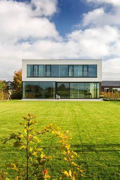 Home Building Design, Home Design Plans, Building A House, House Architecture Styles, Architecture Details, Modern Bungalow Exterior, 3d House Plans, Village House Design, Adobe House