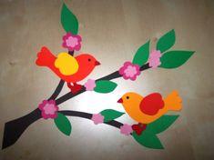 TAVASZI ABLAKKÉPEK SABLONNAL - tanitoikincseim.lapunk.hu Flera id'eer på samma sida Craft Activities For Kids, Preschool Crafts, Easter Crafts, Diy For Kids, Crafts For Kids, Arts And Crafts, Spring Art, Spring Crafts, Bird Template