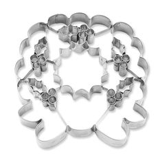 Williams Sonoma Giant Wreath Cookie Cutter with Cutouts - Christmas 2014