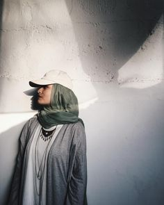 fashion hijab outfit by noor unnahar // m - fashion Punk Outfits, Grunge Outfits, Style Outfits, Tumblr Outfits, Fall Outfits, Hipster Outfits, Fashion Kids, Indie Fashion, Grunge Fashion