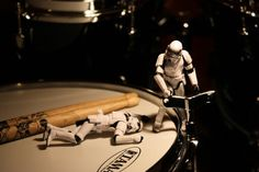 Ahh, story, marketing, drums, photography and Star Wars combined so wonderfully. Drum Lessons, Guitar Lessons, Guitar Tips, Drum Tuning, Kids Drum Set, Drums Wallpaper, Drum Tattoo, Drums Art, Art Beat