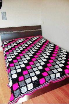Granny Square Crochet Pattern, Crochet Granny, Filet Crochet, Knit Crochet, Afghan Patterns, Crochet Blanket Patterns, Crochet Stitches, Scrap Yarn Crochet, Crochet Afgans