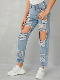Yoga Fashion, Denim Fashion, Fashion Outfits, Fashion Styles, Denim Shop, Cute Ripped Jeans, Ripped Boyfriend Jeans Outfit, High Rise Boyfriend Jeans, Rip Mom