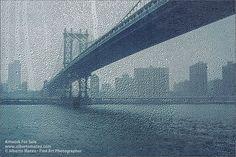 Manhattan Bridge under the rain, New York.
