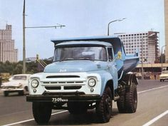 ZiL wallpapers - Free pictures of ZiL for your desktop. HD wallpaper for backgrounds ZiL car tuning ZiL and concept car ZiL wallpapers. Retro Cars, Vintage Cars, Classic Trucks, Classic Cars, 4x4 Van, Dump Trucks, Car Tuning, Car Pictures, Car Pics