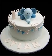 Cute baby elephant cake for a one-year-old. Simple First Birthday, Boys First Birthday Cake, Baby Birthday Cakes, Birthday Cake Toppers, Birthday Ideas, Elephant Birthday Cakes, Baby Elephant Cake, Cupcakes, Cupcake Cakes