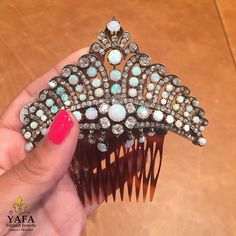 Now that's what hair accessories should look like! Circa 1890, With opal and diamonds, this vintage hair comb is magical. Call or email us, shipping available worldwide. ⚜️⚜️#yafasignedjewels #signedjewelry #vintagejewelry #vintage #forsale #newyork #investment #finejewelry #jewelry #estatejewelry #finejewelry #gold #diamonds #diamond #ysj #opal