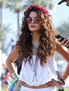 #coachella #vanessahudgens #festivallook #flowers #white #fashion #beautiful