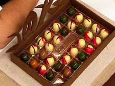 Pastry Basket, Chocolate Factory, Homemade Chocolate, Truffles, Toffee, Fondant, Sweets, Candy, Snacks
