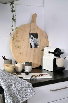 van het kastje naar de muur. - kitchen styling
