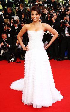 "Aishwarya Rai in Roberto Cavalli at the ""Up"" premiere (2009)"