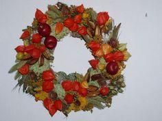 podzimní dekorace do bytu - Hledat Googlem Christmas Wreaths, Floral Wreath, Fall, Autumn, Holiday Decor, Inspiration, Home Decor, Biblical Inspiration, Floral Crown
