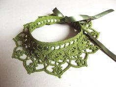 Ожерелье / воротник крючком зеленый