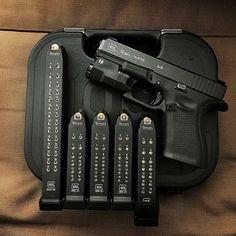 Painted inlay on Glock pistol and mags, does look good! Glock Guns, Weapons Guns, Guns And Ammo, Zombie Weapons, Ps Wallpaper, Custom Guns, Military Guns, Cool Guns, Tactical Gear