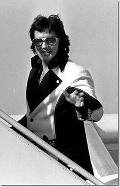 Elvis Presley : Leaving Cincinnati, OH on March 22, 1976