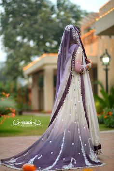 I am Gob smacked!! Purple is my most favourite color and this is such an amazing dress!!!!!!!  Pakistani wedding dress