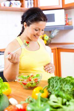 ¿Estás #embarazada? Entonces este #post te interesa... La #alimentación durante el #embarazo http://www.farmaciavilaonline.com/blog/alimentacion-durante-el-embarazo/