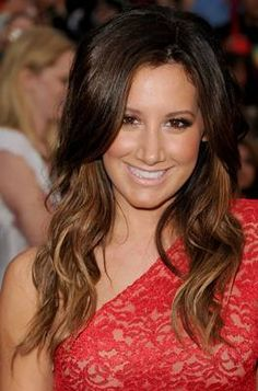 Ombre Fades, my favs, Ashley Tisdale, Drew Barrymore, Vanessa Hudgens .. Ashely has hazel eyes like me and the fade really works with them.