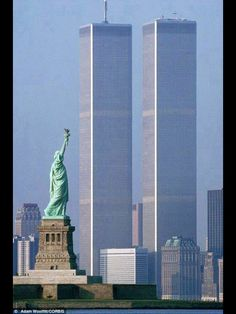 New York City, America.the World Trade Center Twin Towers World Trade Center, Trade Centre, 11 September 2001, 911 Never Forget, Ville New York, Land Of The Free, City That Never Sleeps, Jolie Photo, City Photography