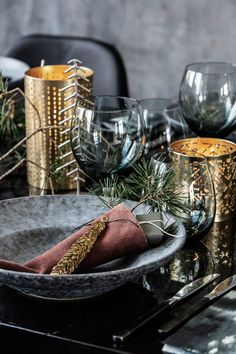 This stunning metal cone ornament is perfect for a beautifully decorated branch or twig display. The cone comes with a gorgeous brass finish that Christmas Table Settings, Christmas Table Decorations, Decoration Table, House Doctor, New York Christmas, Alcoholic Drinks, Brass, House Design, Bohemian Beach