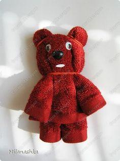Teddy Bear: Origami: Origami Osibori or towels items) Napkins Recreation. Toilet Paper Origami, Towel Origami, Fabric Origami, Origami Folding, Napkin Folding, Bathroom Towel Decor, Towel Animals, Towel Cakes, Decorative Towels