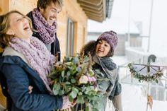 Love is in the air - and laughter! Bei einer freien Trauung gibt's oft das ganze Emotionsrepertoire - von Freudentränen über romantische Momente bis hin zu Lachkrämpfen. Nichts muss, alles darf!