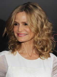 19 Gorgeous Haircuts for Naturally Curly Hair: Kyra Sedgwick Curly Hair