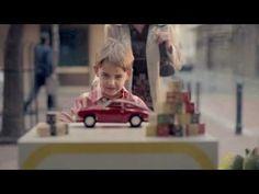 A Porsche preparou um vídeo para agradecer que atingiu 1 milhão de fãs no Facebook...vejam...